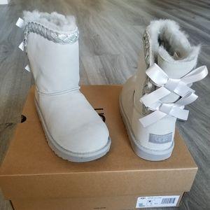 UGG Kids Classic Short II Braided Boot